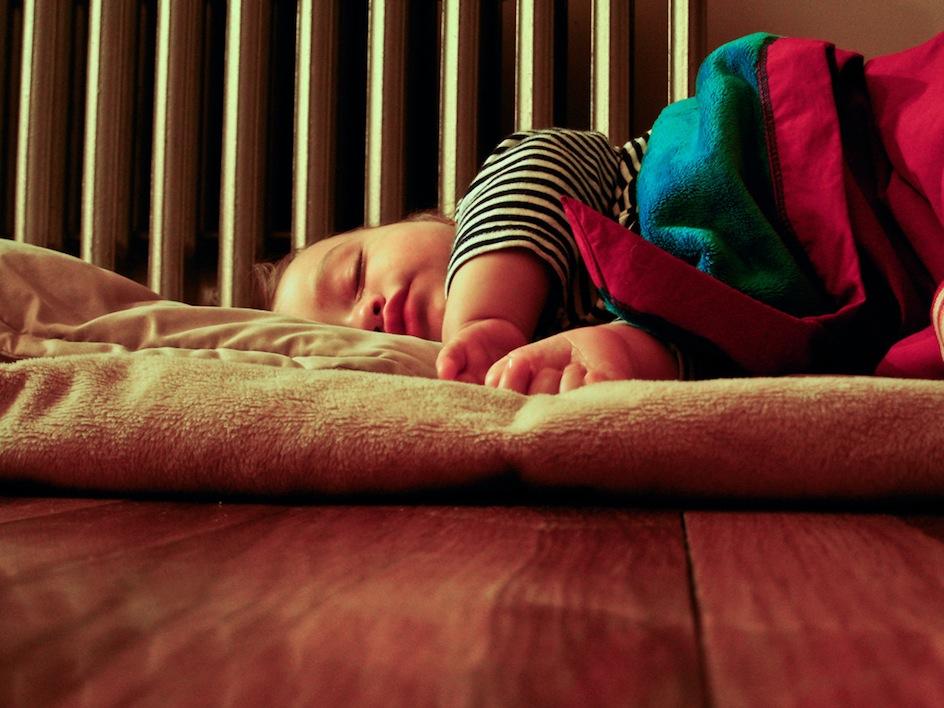 Muss Baby Mittagsschlaf Im Bett Machen 2016