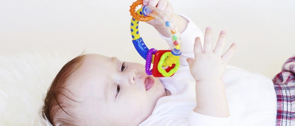 Welches spielzeug ist für kinder ab monaten zu empfehlen