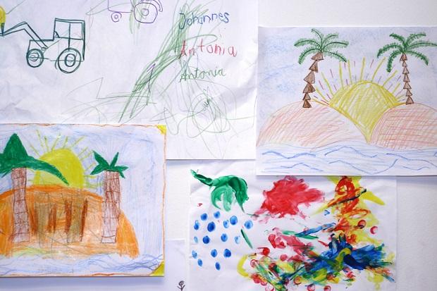 kinderbilder auf leinwand. Black Bedroom Furniture Sets. Home Design Ideas