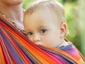 Baby im Tragetuch | © panthermedia.net / oksixx