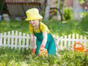 Kind im Garten | © panthermedia.net / Andrey Kryuchkov