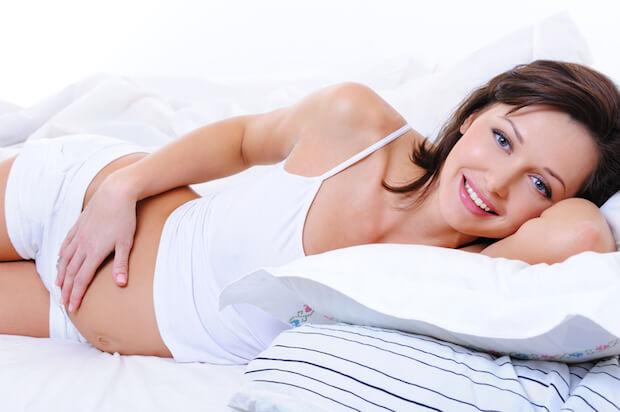 Schwangere Frau entspannt | © panthermedia.net / valuavitaly