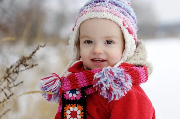 Kleinkind im Winter | © panthermedia.net /maximkabb