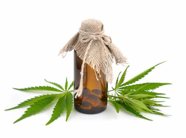 Cannabis-Öl   © panthermedia.net /spline_x