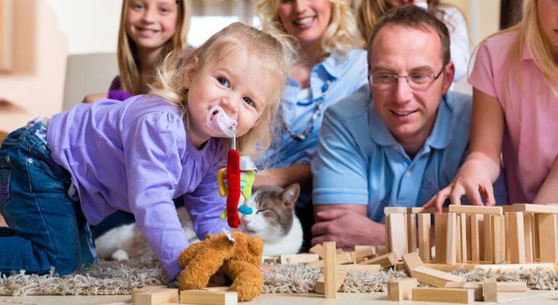 Kind spielt mit Spielzeug   © panthermedia.net /Arne Trautmann