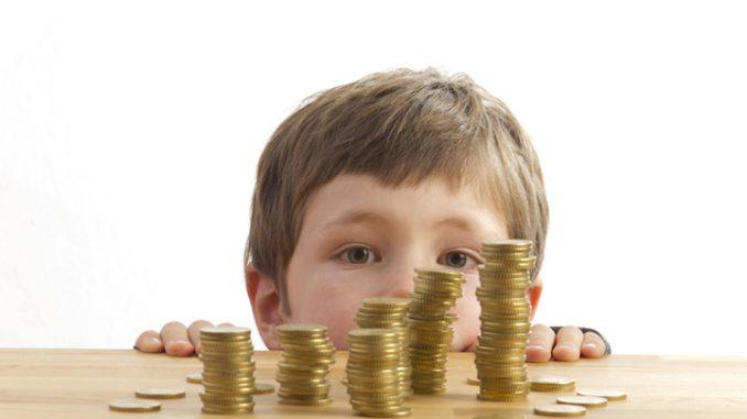 Kindergeld Kinderfreibetrag   © panthermedia.net /Katy Spichal